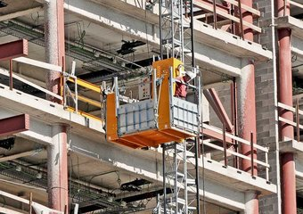Safe Use of Hoists