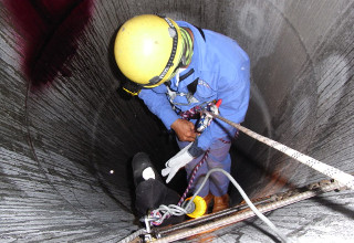 Entry into Confined Spaces inc Escape Breathing Apparatus